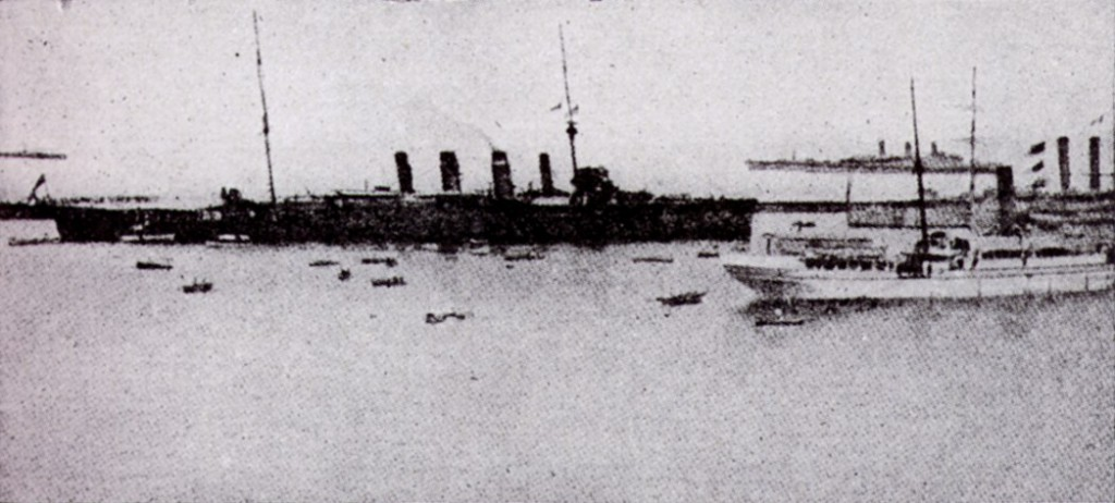 The Australian cruiser 'Sydney' that sank the German cruiser 'Emden'