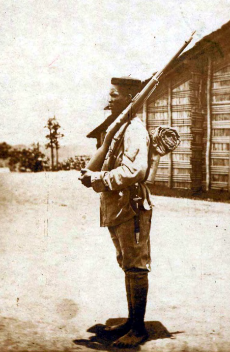 A soldier of Kameroun's native police force