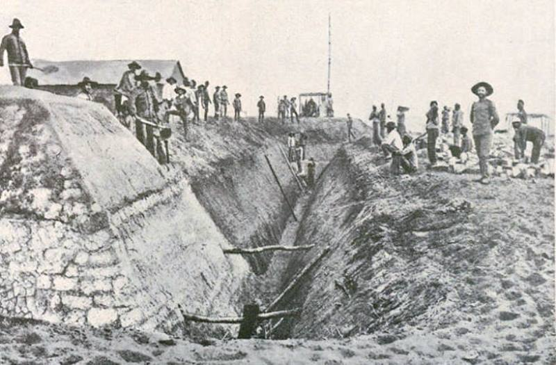 The defenses of Fort Cuangar under construction