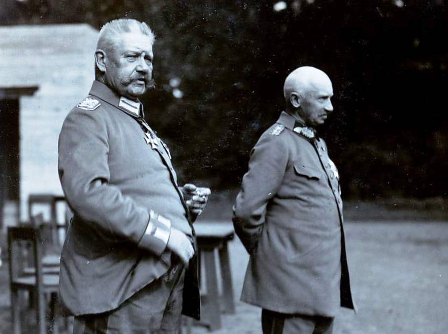 Generals Hindenburg and Ludendorff in 1917. They were opposed to Falkenhayn's choice to keep attacking France instead of Russia