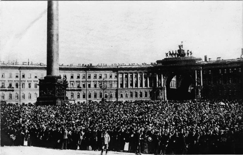 The crowd in Petrograd to hear the General Mobilization order. Temperance bans soured public enthusiasm