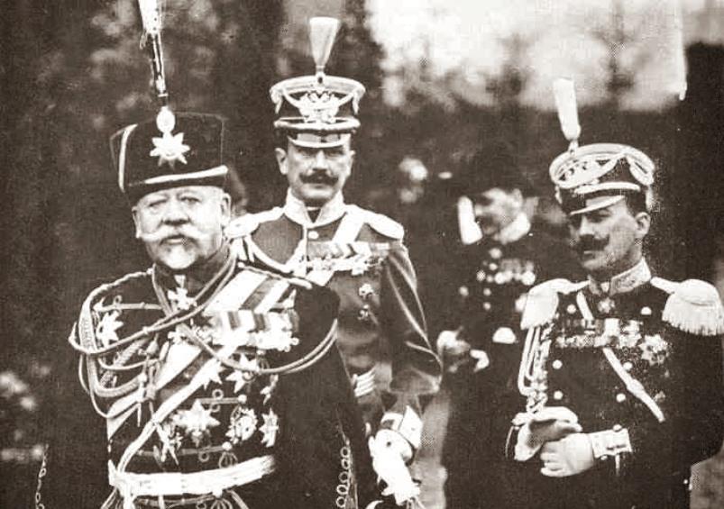 Vladimir Sukhomlinov (L) with his personal staff