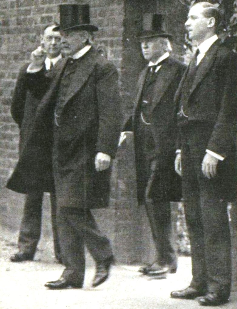 H.H. Asquith follows Lloyd George out of No. 10 Downing Street on the way to Buckingham Palace