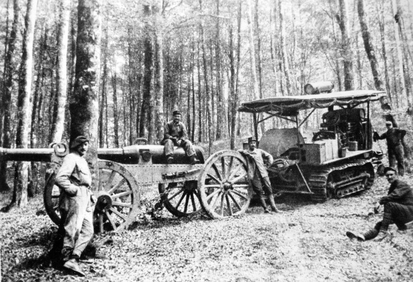 Artillery_tractor_in_France_Vosges_Spring_1915
