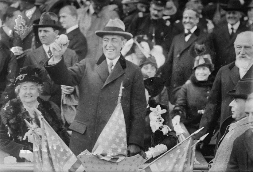 Woodrow_Wilson_at_1915_World_Series