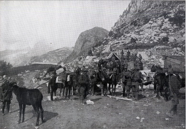 Carnia - Alpini at the foot of the Pal Grande, in the upper Carnia, with Pal Piccolo in the background. From the magazine The Italian Illustration , September 26, 1915.