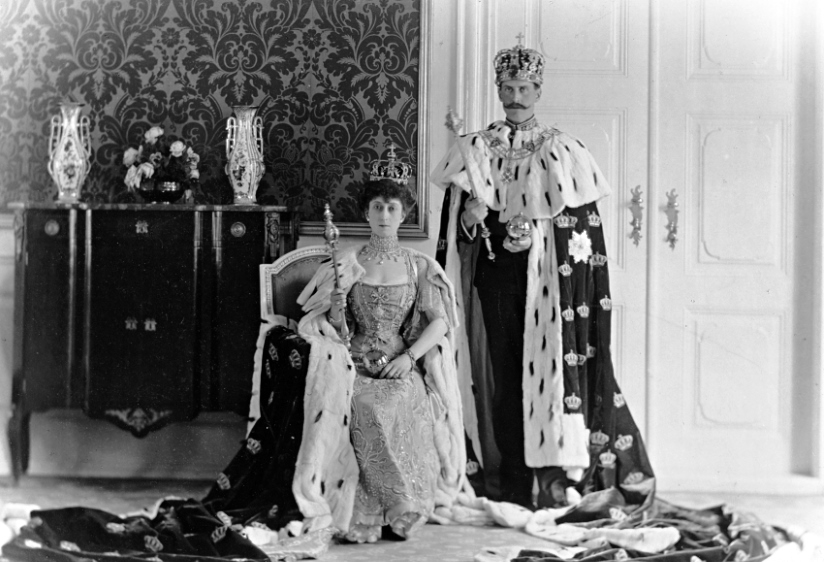 queen_maud_and_king_haakon_vii_1906