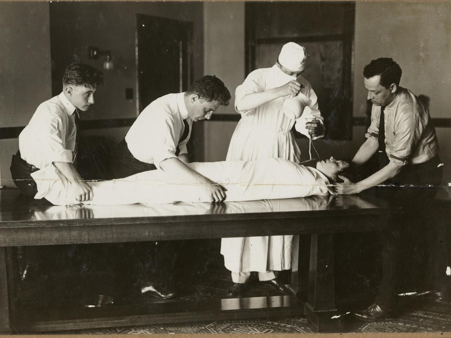 Stunt journalism: writer Djuna Barnes voluntarily being force-fed to understand the experiences of imprisoned suffragettes