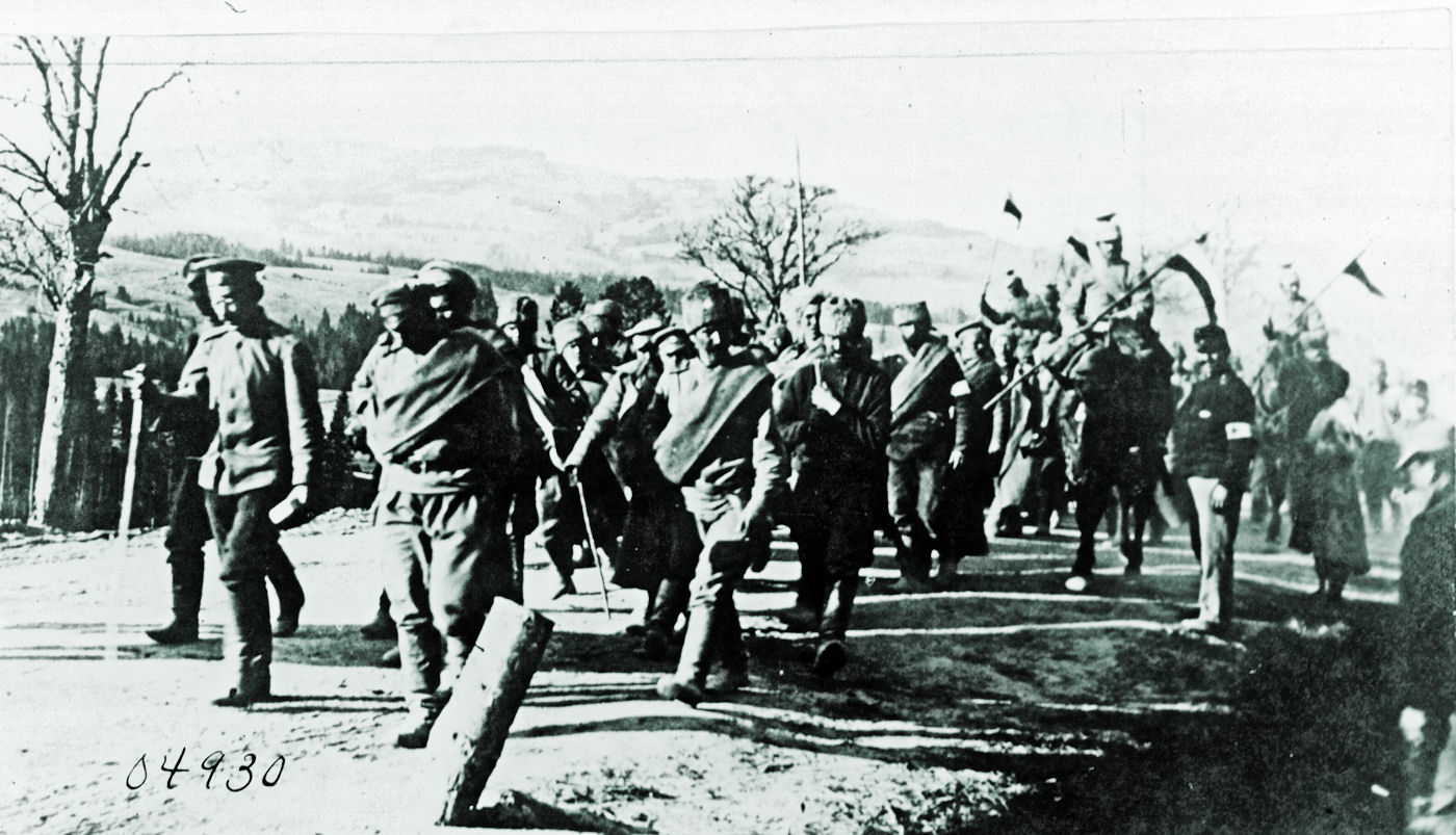 Russian prisoners escorted by German ulhan cavalry