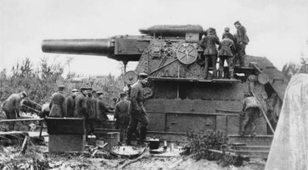 """A German """"Big Bertha"""" 420mm cannon used in the siege of Antwerp."""