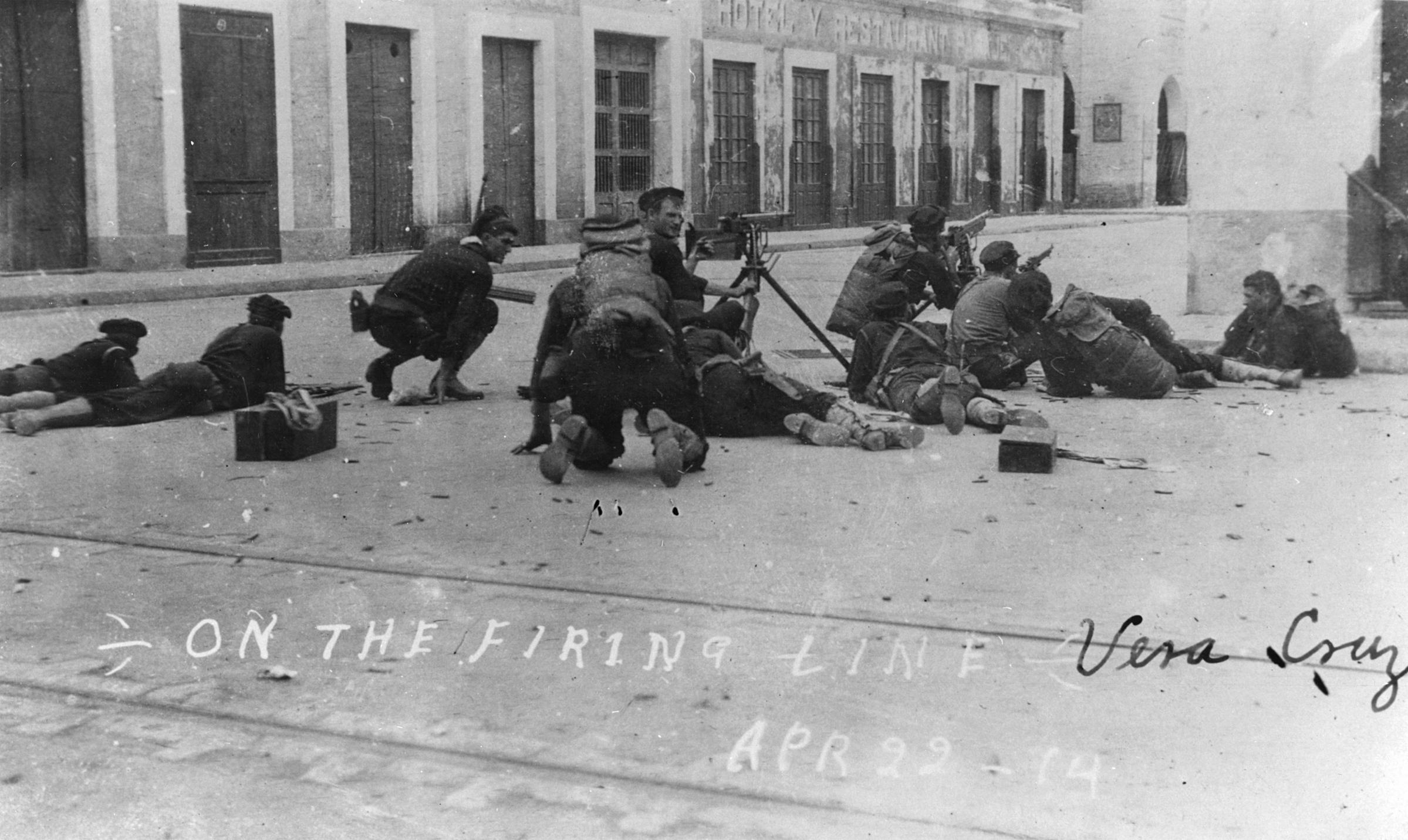 "US sailors firing Colt M1895 ""potato digger"" machine guns in the occupation of Veracruz"