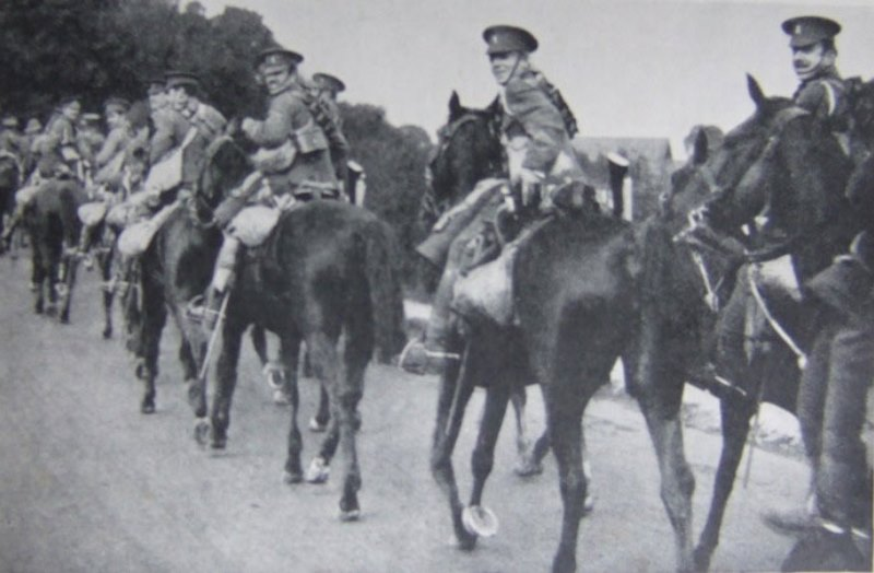 British cavalry in 1914. Note the useless swords hanging at their left sides