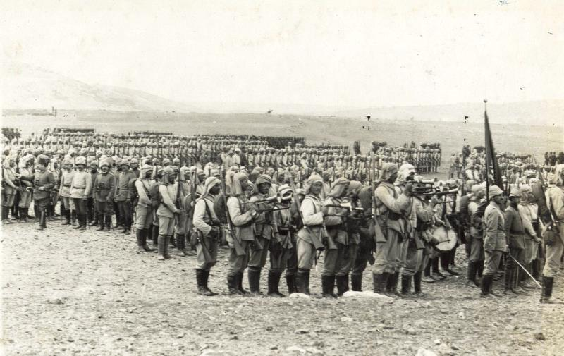 Ottoman soldiers mustering in the Valley of Jizreel before an attack on the Suez Canal