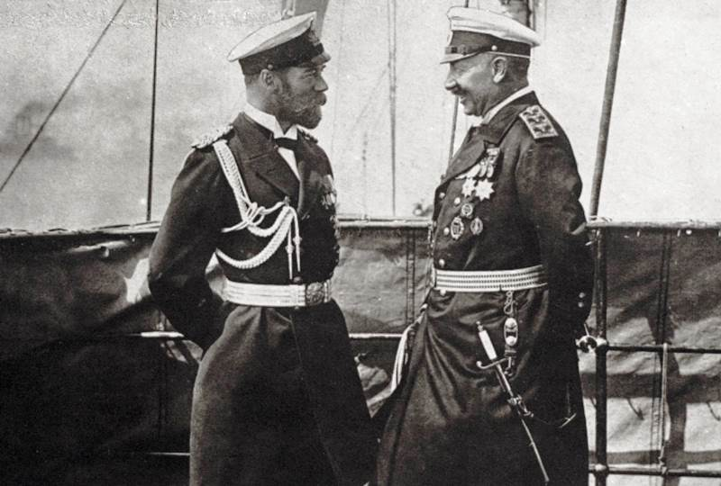 Tsar Nicholas II (left) meeting Kaiser Wilhelm weeks prior to the war