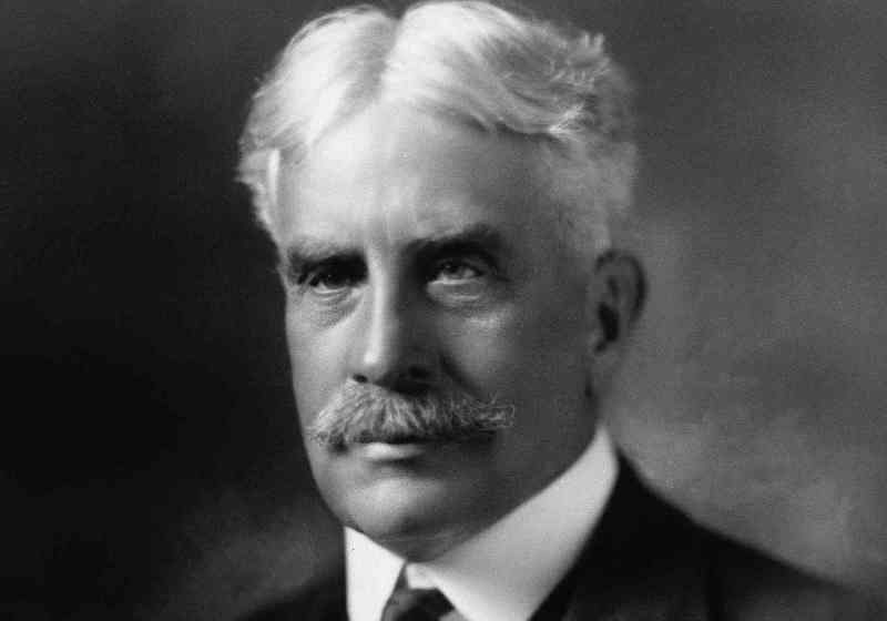 Prime Minister Robert Borden's biggest challenge was to ramp up his army from just 3,000 prewar active duty soldiers. Some 620,000 Canadians would eventually serve in uniform