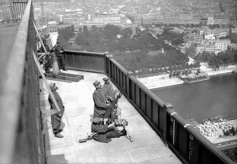 Antiaircraft guns on the Eiffel Tower in 1916