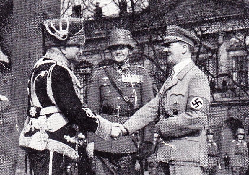 Mackensen meets Hitler in 1939