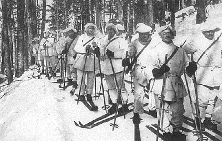 French chasseurs (light infantry) kitted out as alpines (mountain troops)