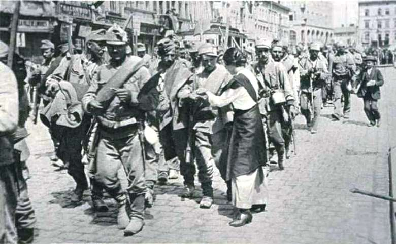 Citizens of Lemberg welcome Austrian troops as they liberate the city